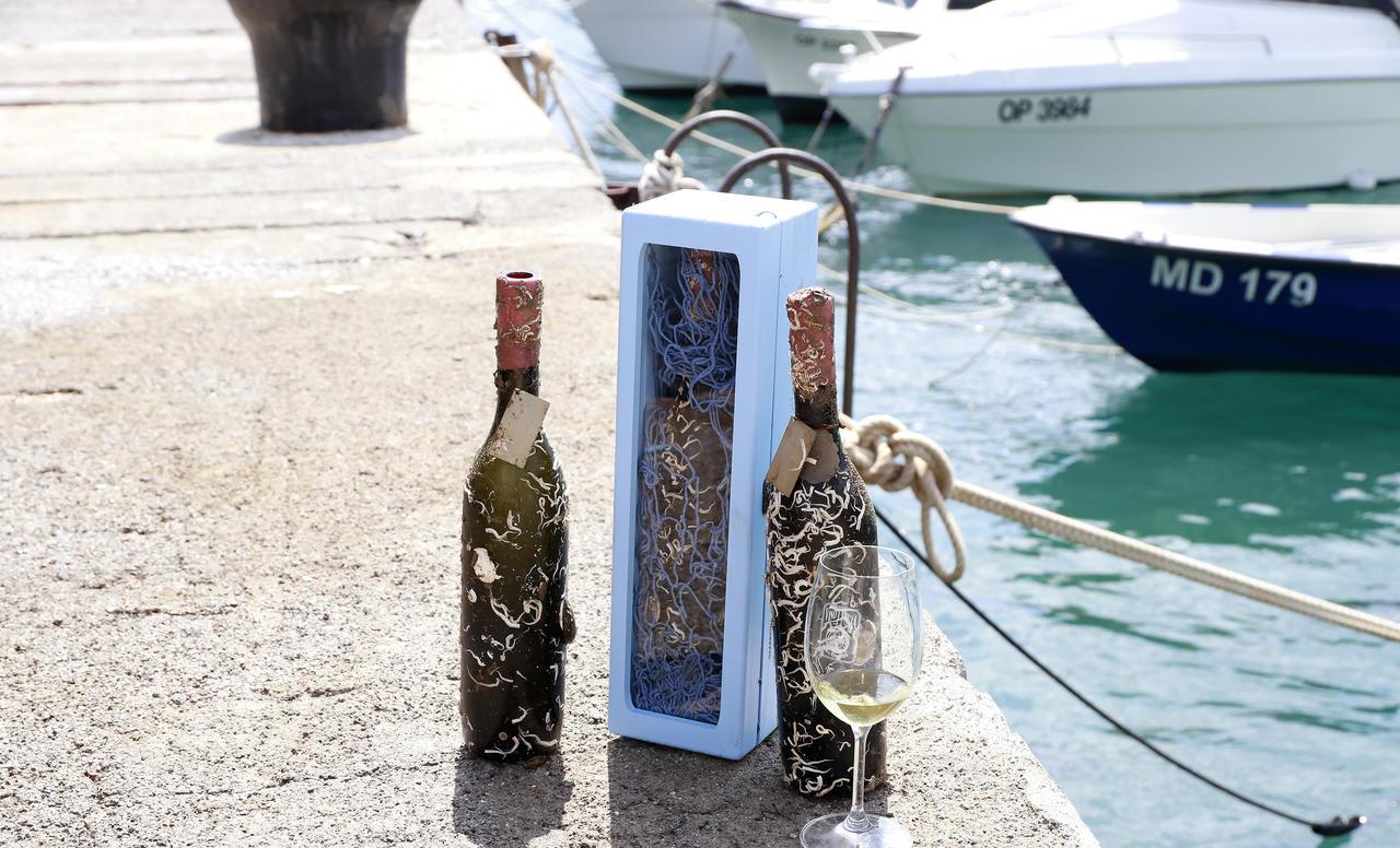 Iločki podrumi Graševina Velika berba 2011, vino s dodirom Jadrana