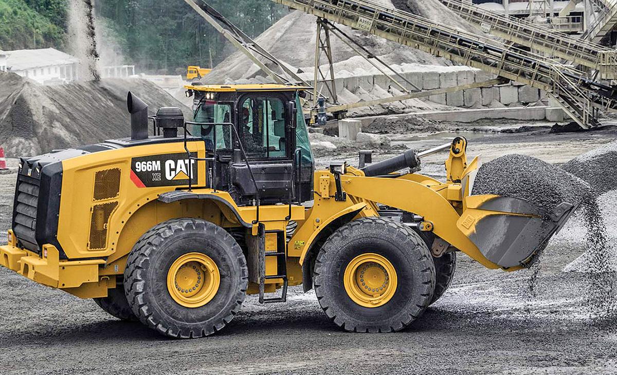 Utovarivači 966M i 972M  s naprednim (XE) prijenosom snage motora