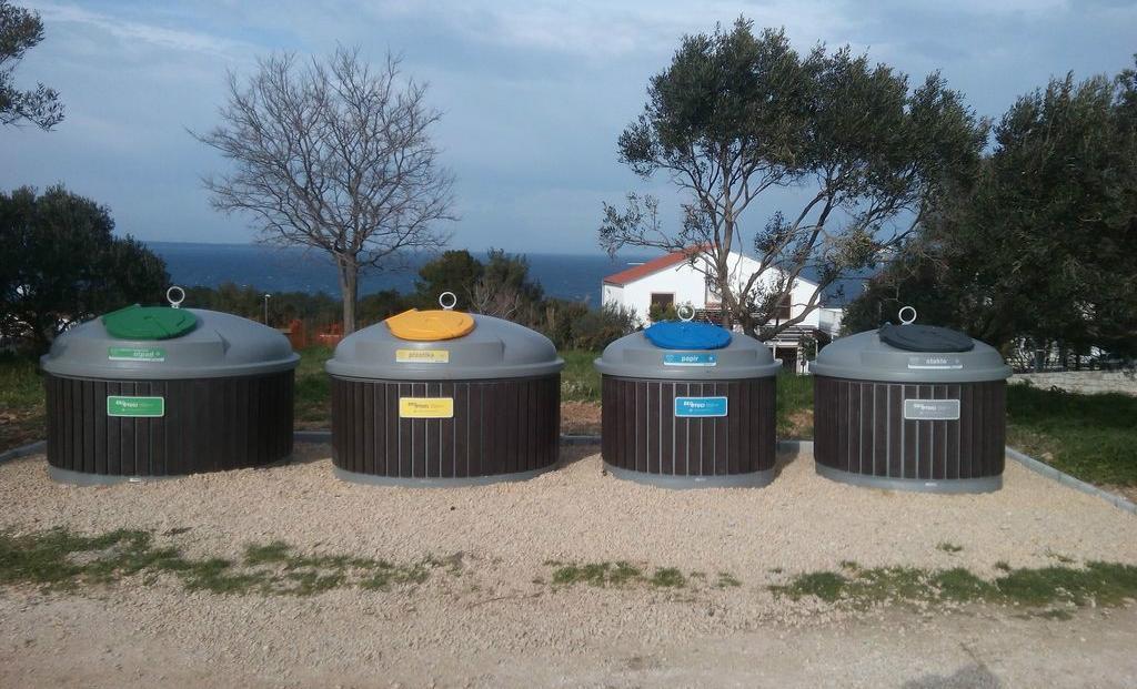 SEMIQ polupodzemni kontejneri