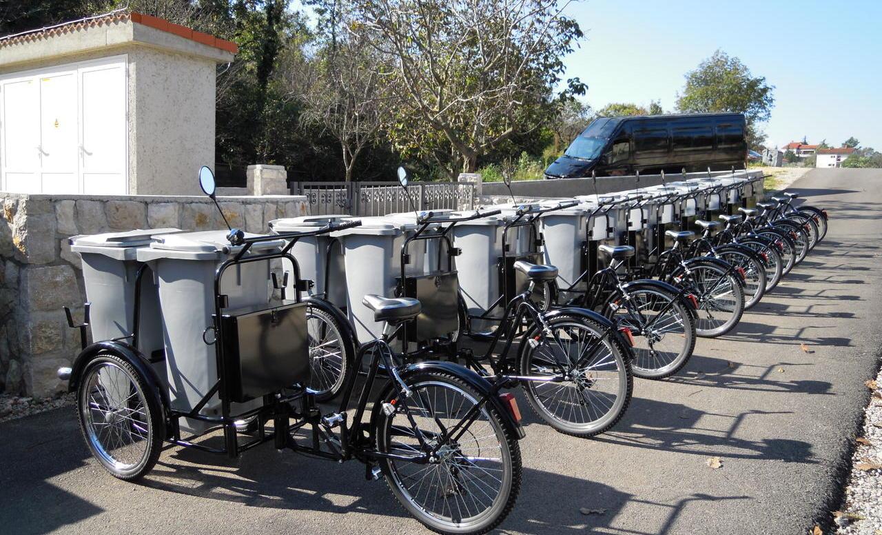 Tricikl s pomoćnim elektromotornim pogonom