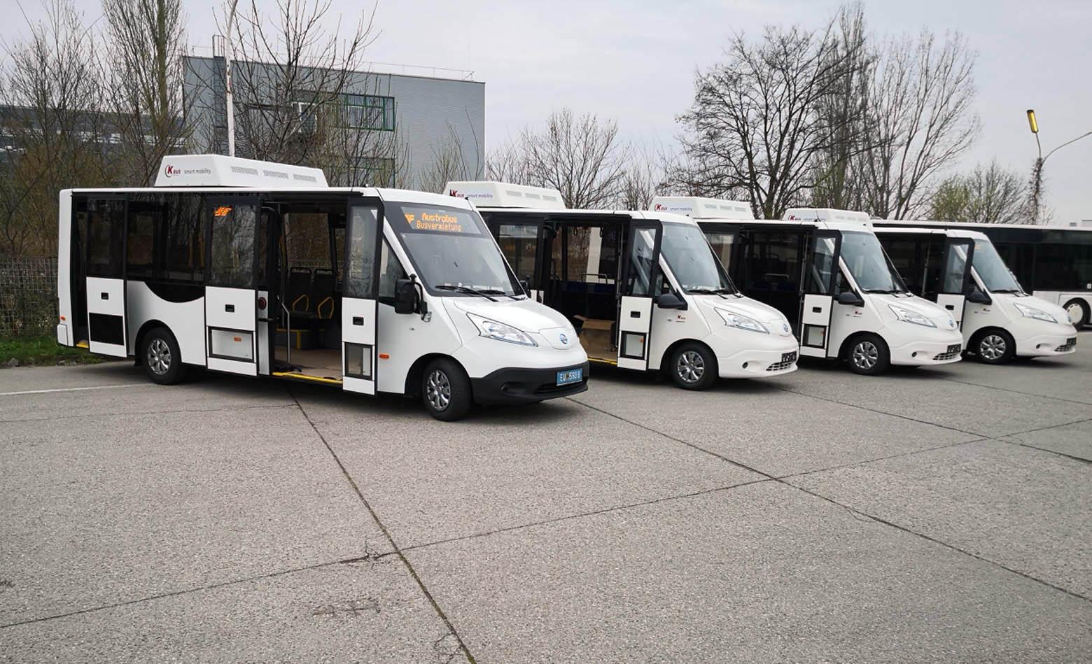 Električni minibus s krovnim solarnim panelima
