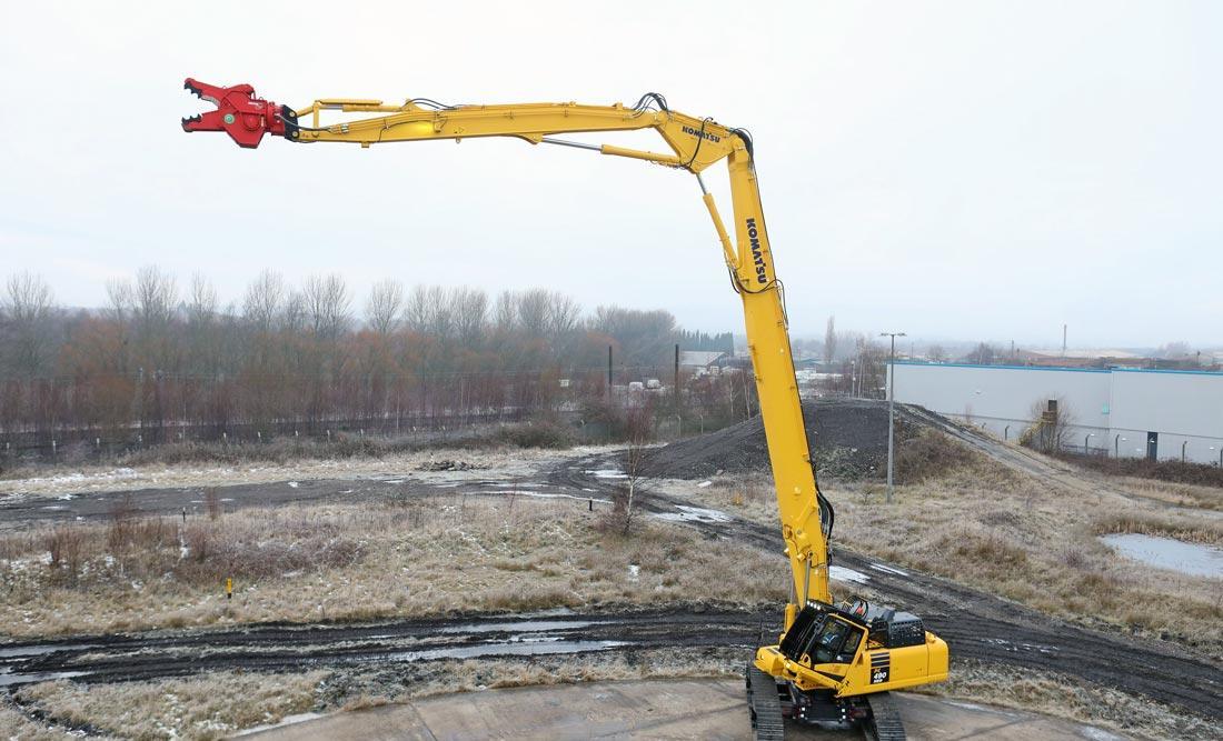 Komatsu predstavil nov stroj za rušenje PC490HRD-11