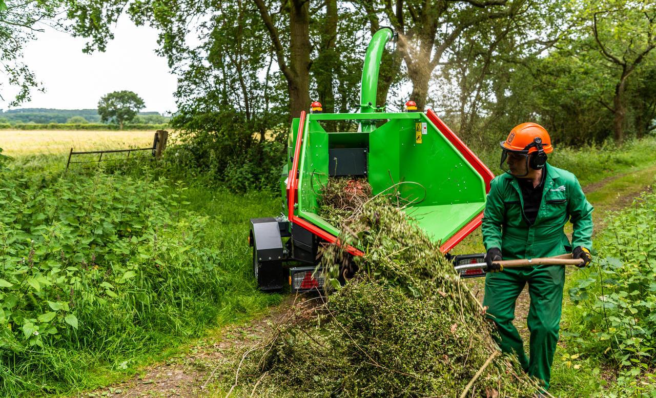 GreenMech Combi 200 u održavanju zelenih površina