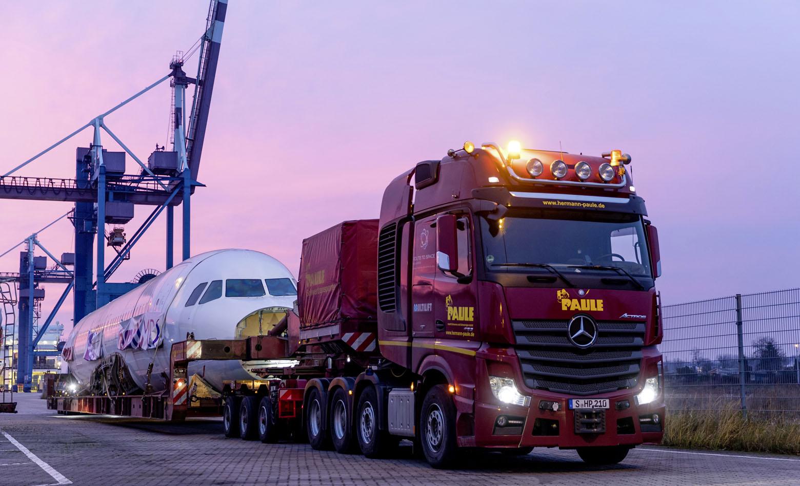 Actros prevažal letalo Airbus