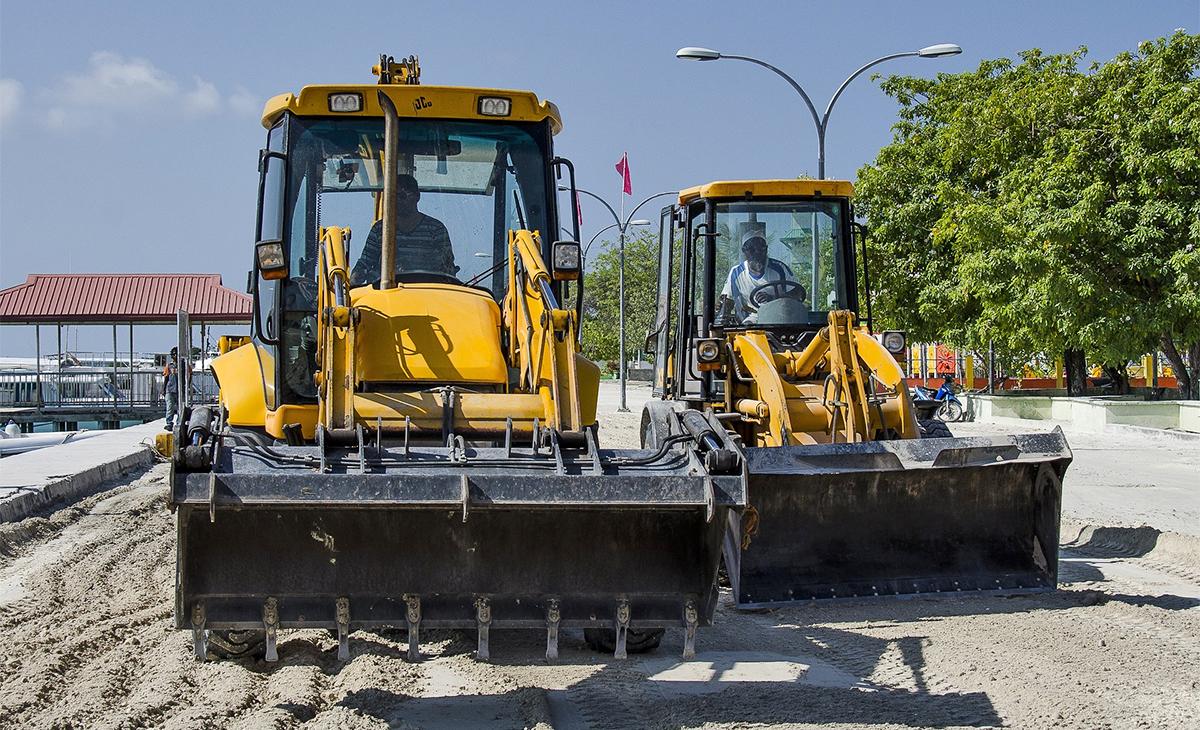 Pet ponuda za obnovu ceste od čvora Oštrovica do Meja