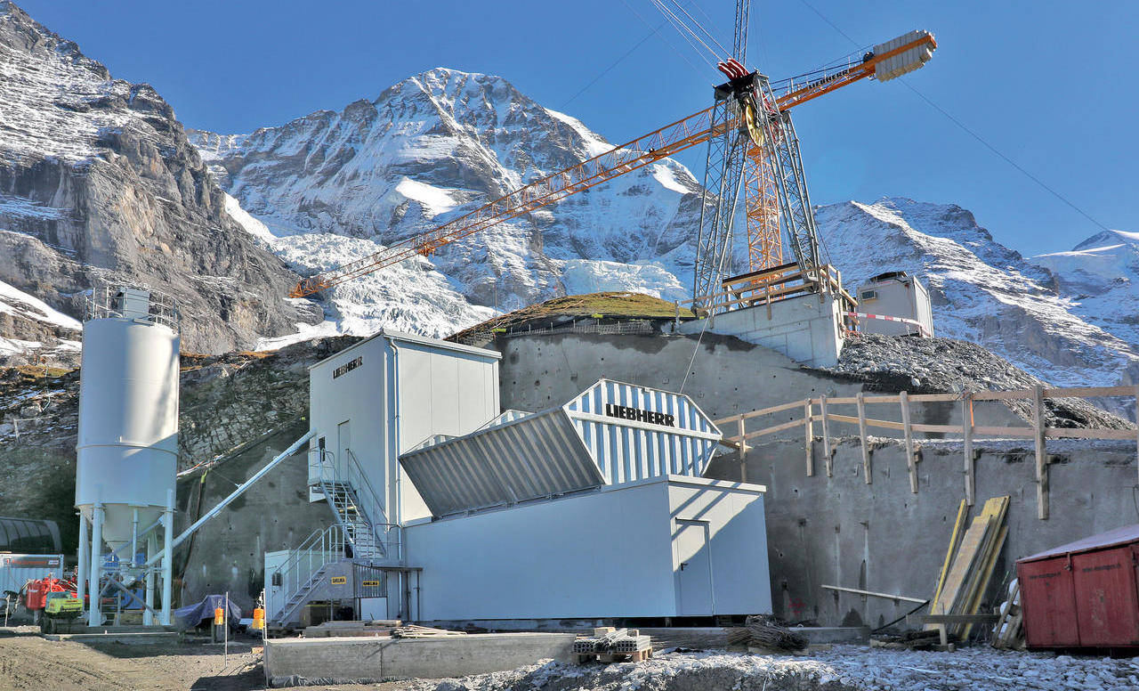 Liebherjeva betonarna na ledeniku Eiger