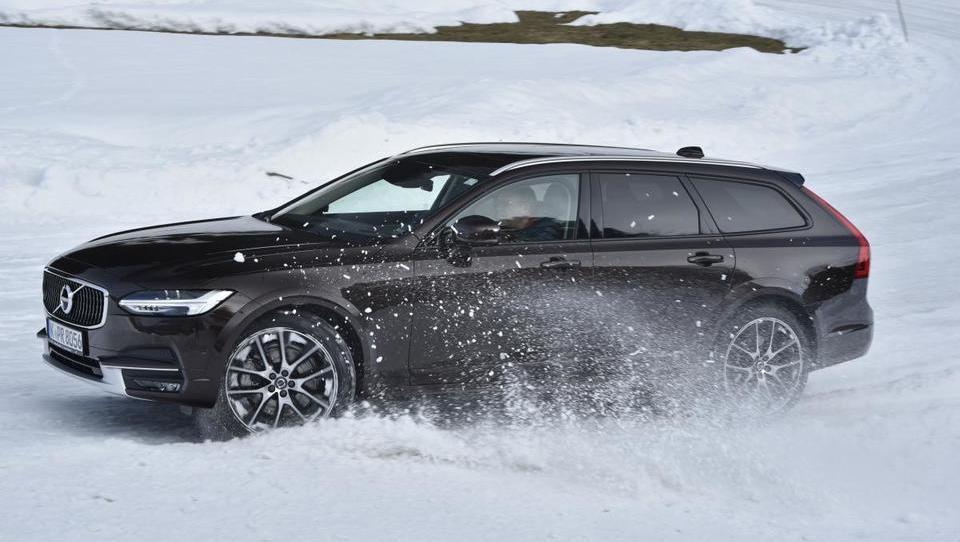 Švedsko zdravilo za zimske težave na cesti