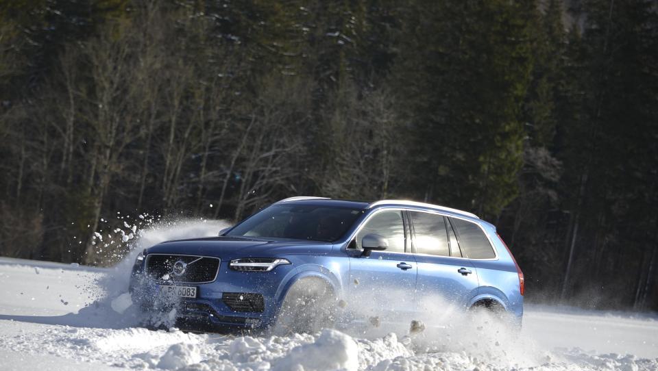 Švedski ples na snegu, generalka za pasti na cesti