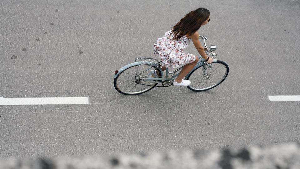 Norvežani vlagajo milijardo v kolesarski križ, kaj gradimo pri nas?
