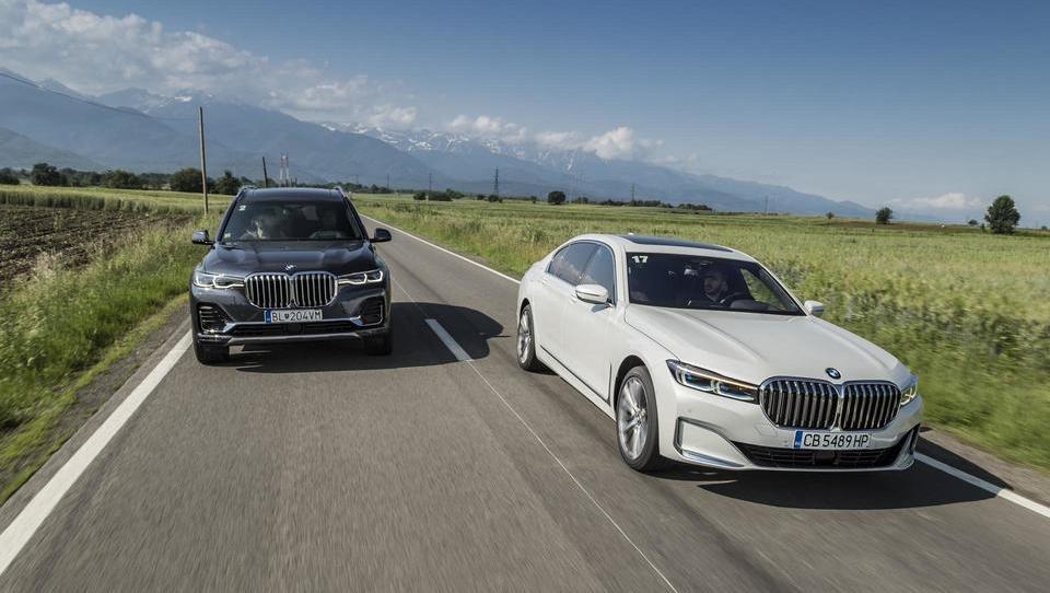 BMW 7 in X7: popotovanje po deželi vampirjev, obcestnih jaškov in prelepih gradov