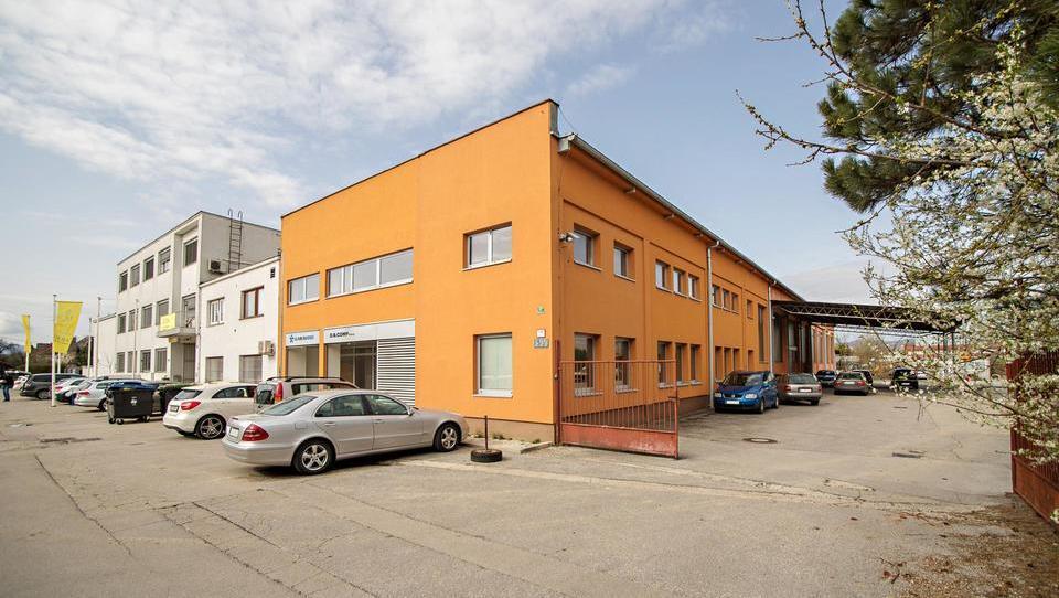 (Nepremičnina tedna) Poslovno-skladiščni prostori v Ljubljani