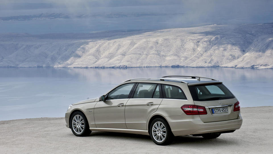 Daimler podarja nadgradnjo starejših dizlov, a le Nemcem