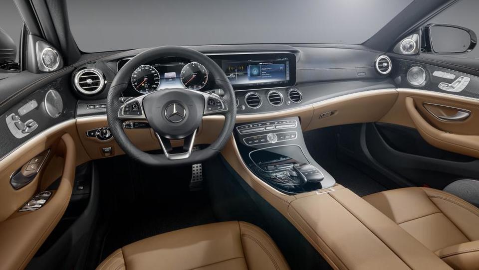 Daimler z milijardno naložbo v tovarni v Nemčiji in na Madžarskem