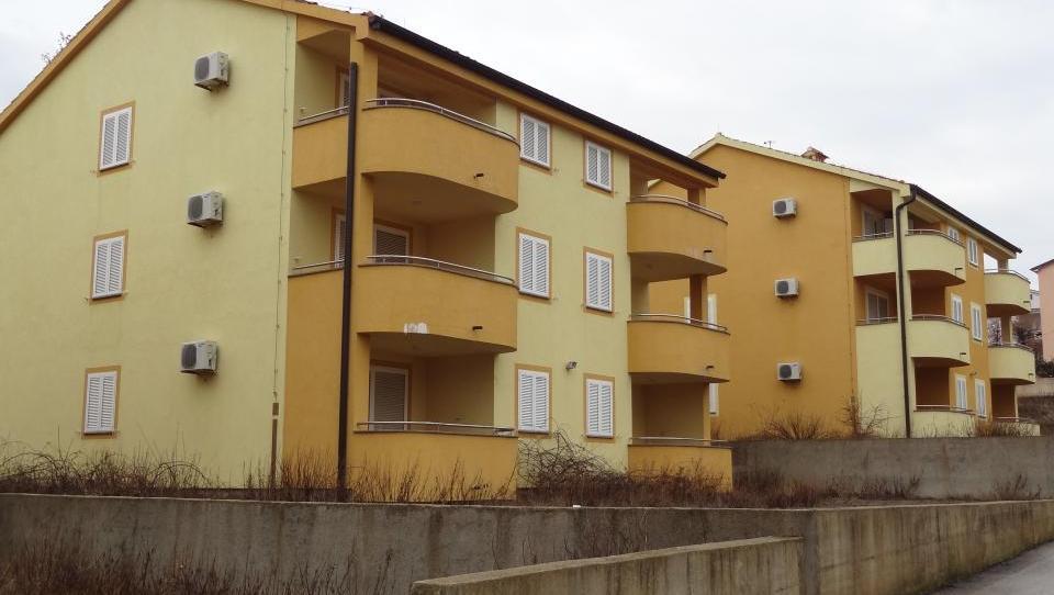 Dobra tretjina stanovanj  v Rimskih dvorih prodana