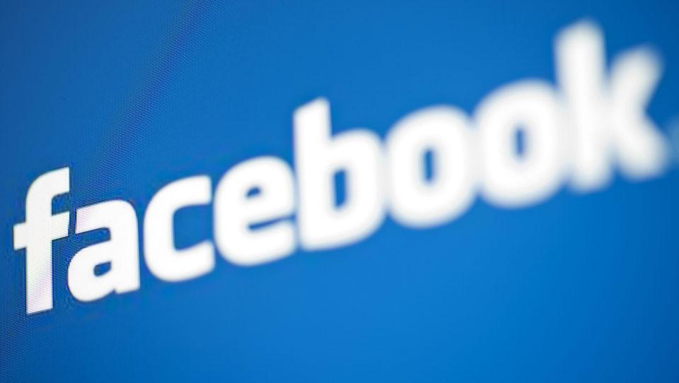 Uporabljate Facebook? Dobrodošli v klubu starcev
