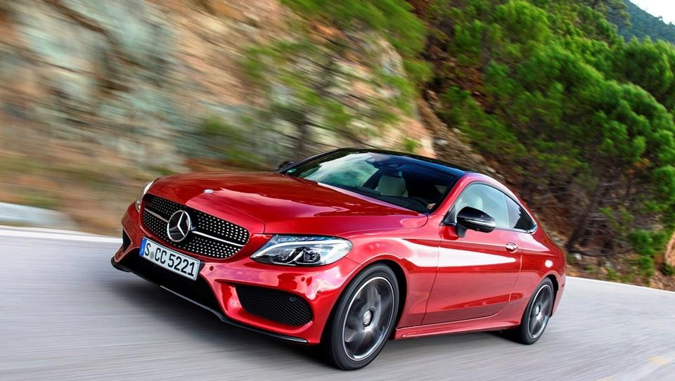 Mercedes-Benz v svetu ugnal Audija, BMW ostaja nepremagljiv