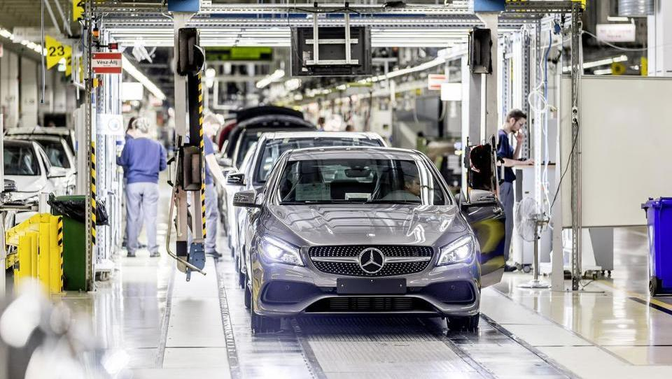 Madžarski avtomobilski ponos za 2,4 milijarde evrov