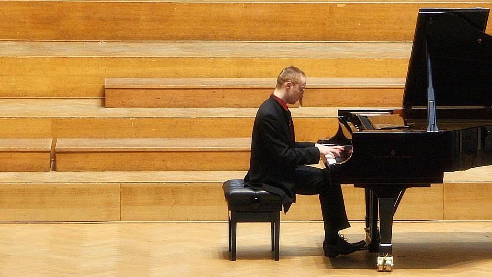 Pianist, ki je sanjal o Parizu, končal pa v Bruslju