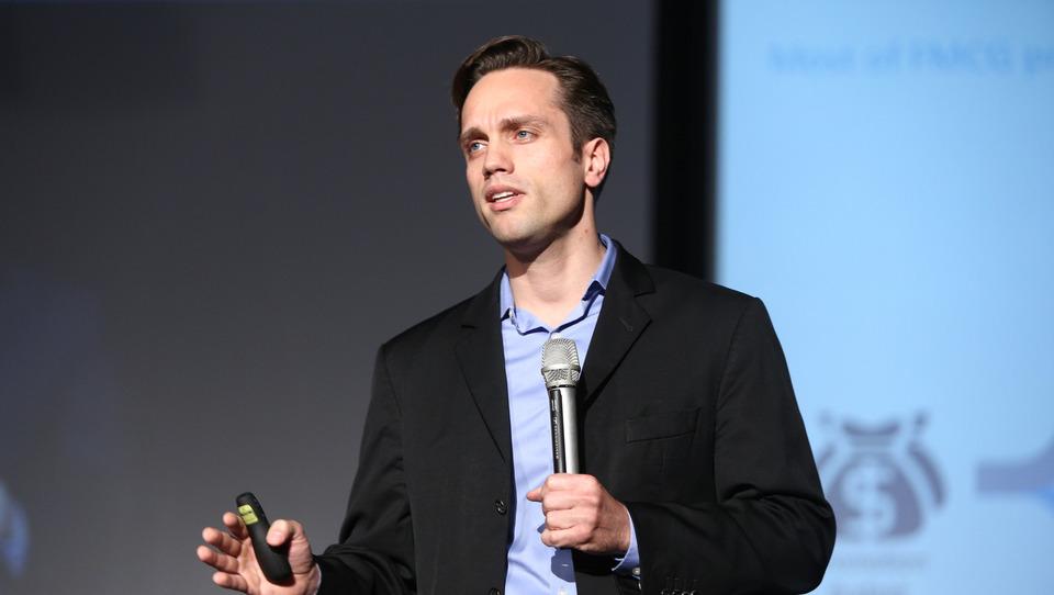 (video) Bau: Podjetja vlagajo milijarde v promocije. Ustvarjamo učinkovitejši kanal po katerem bodo stranke prejele promocije.