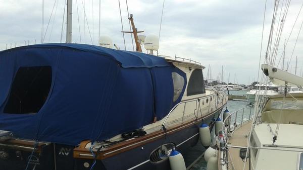 Naprodaj 17-metrska barka Darka Zupanca
