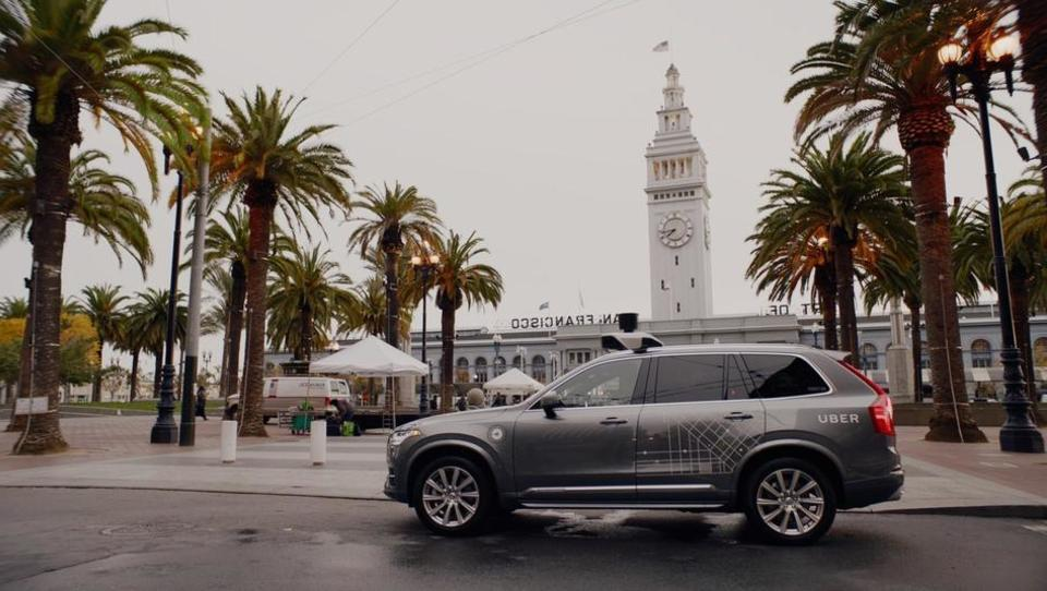 Volvov največji posel: 24 tisoč samovozečih taksijev za Uber