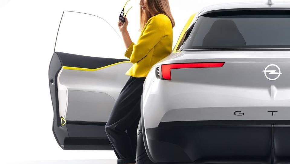 Opel po 20 letih iz rdečih številk, po dobičku je prehitel celo VW