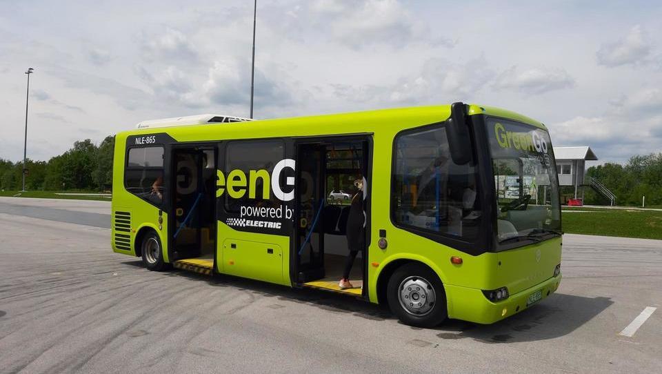 Konec junija bo predvidoma znano, kaj bo s slovenskim brezžičnim polnjenjem e-avtov