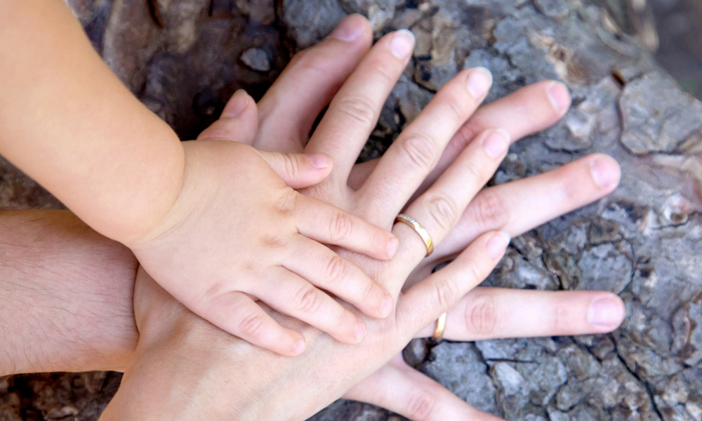 Ostati doma in prevzeti družinsko tradicijo ali graditi kariero drugje?