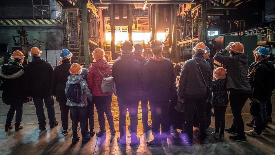 200 obiskovalcev navdušenih nad moderno proizvodnjo jekla