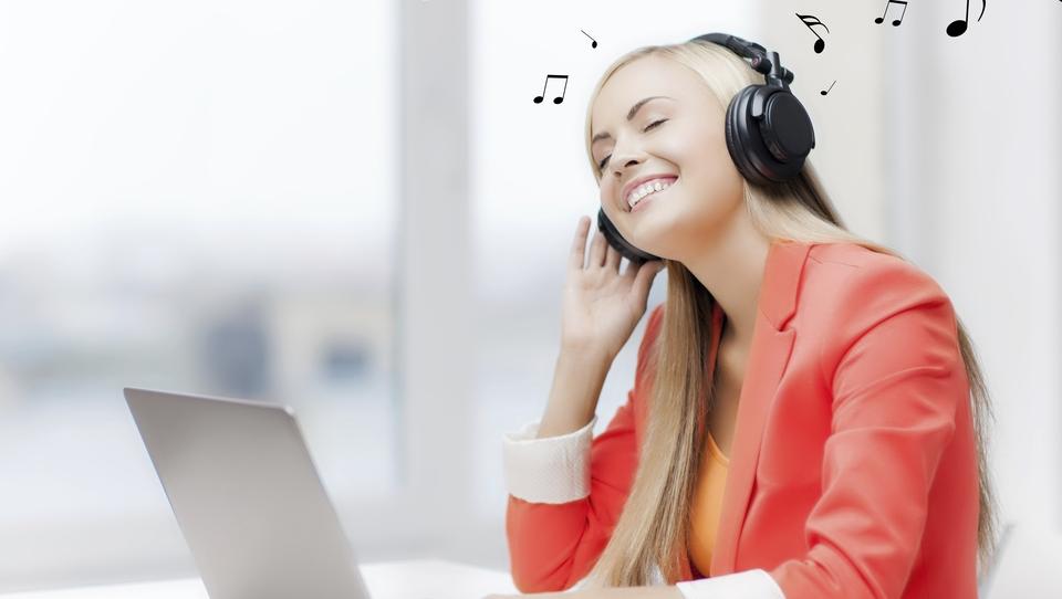 Spopad velikanov na trgu spletnega predvajanja glasbe