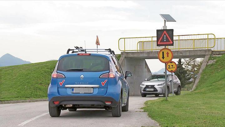 Na nevarnost trka bo letos opozarjalo 50 COPS