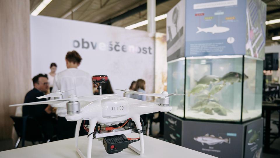 57. Agra: Ena od sejemskih atrakcij je dron, ki poceni pridelavo žita