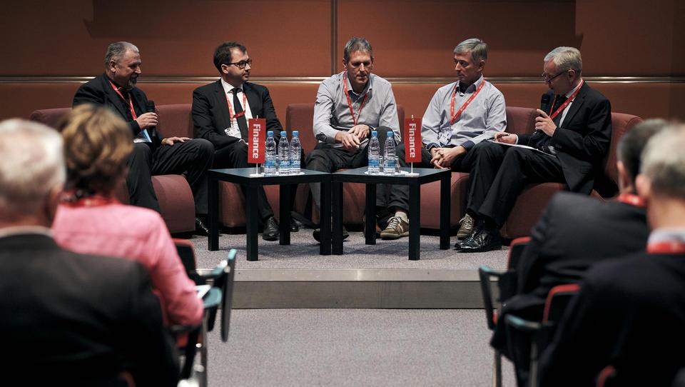 Podjetniški forum: Če ne bi bili pravi podjetniki, nam lebdeči gramofon ne bi uspel