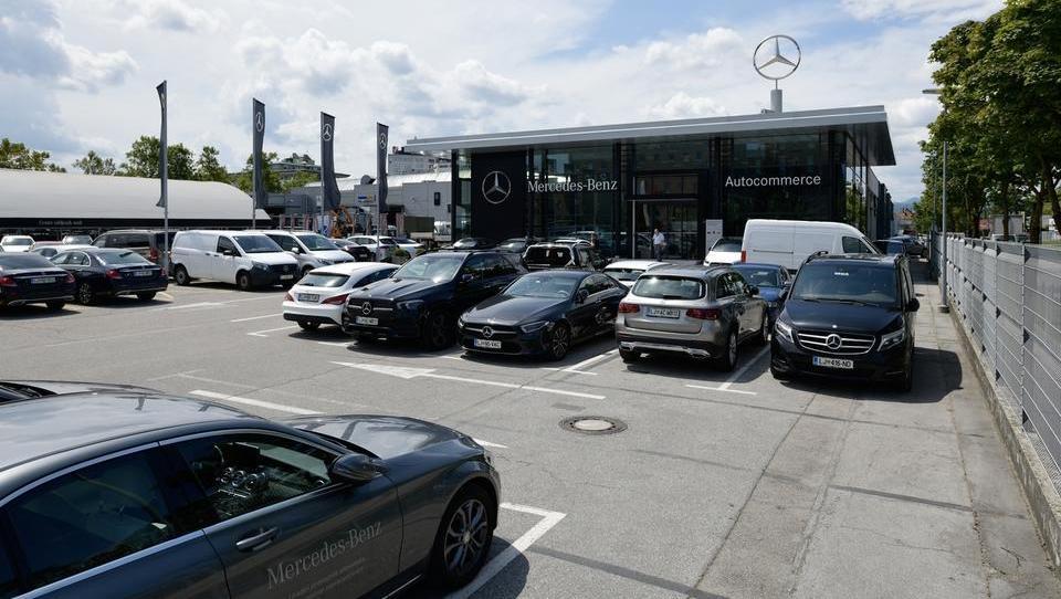 Neuradno: Oderlap & Co. tik pred prodajo ljubljanskega Autocommercea