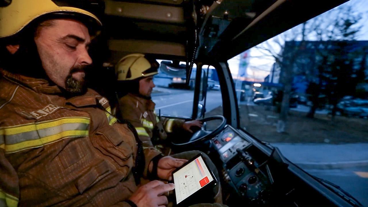 Valicon: Slovenci najbolj zaupamo malim podjetnikom in gasilcem