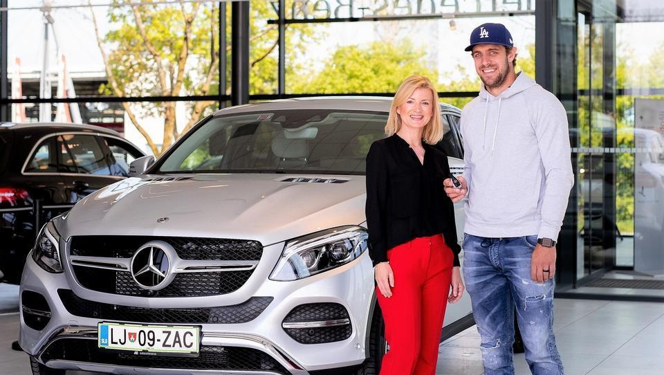 Anže Kopitar se je iz mercedesovega kupeja CLS presedel v luksuzni terenec GLE
