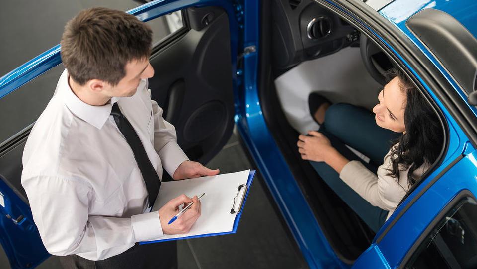 (svetovalnica) Kako naj prenesem lizing za avto na drugo osebo