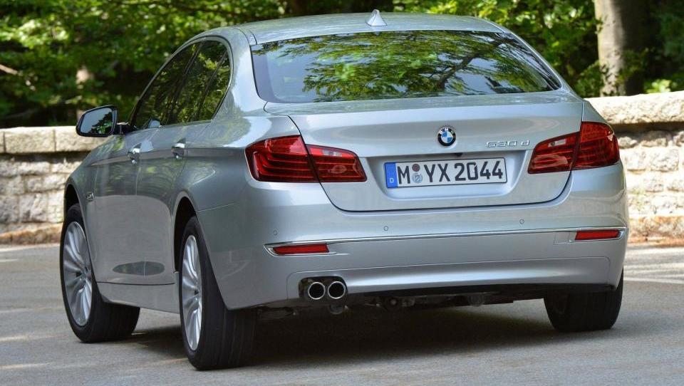 BMW na prestolu v svetu in pri nas, Audi in Mercedes-Benz vse bliže