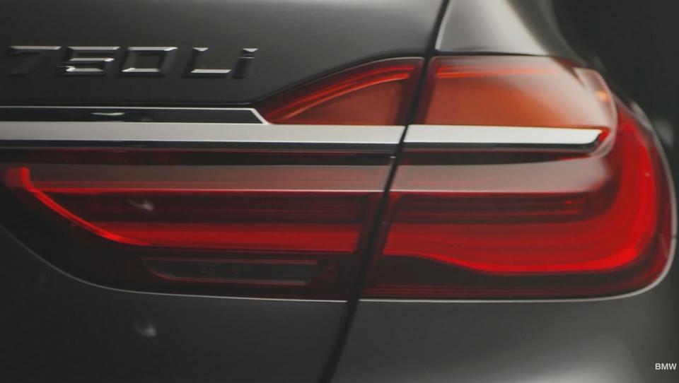 (video) BMW po delčkih odkriva luksuzno serijo 7