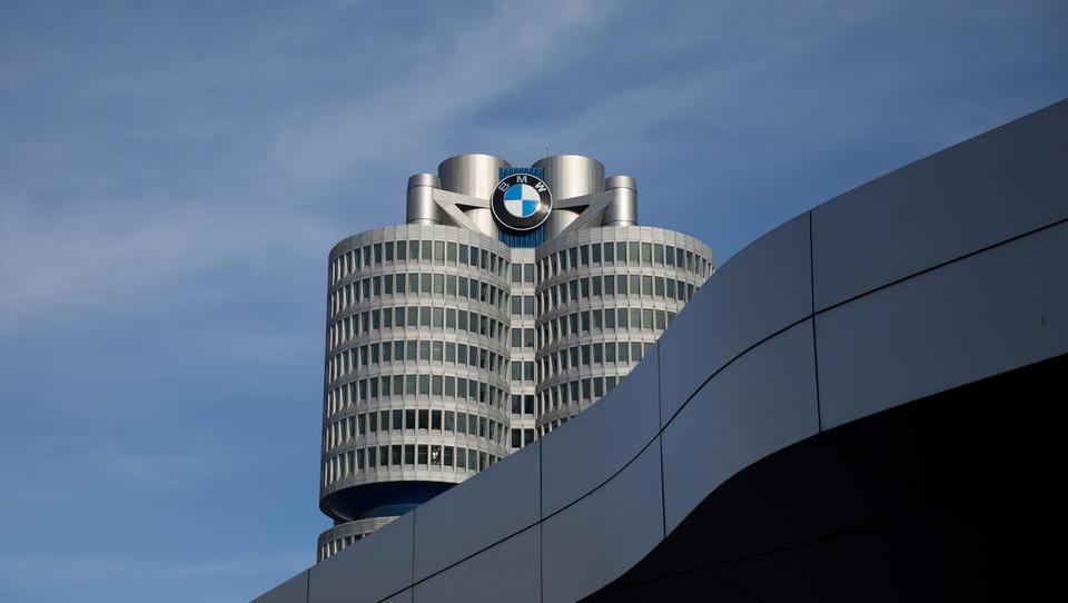 Izbrali prvega moža BMW, ki se bo podal v lov na Teslo