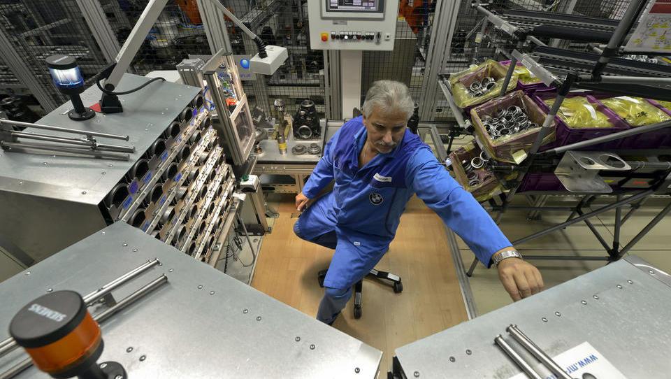 Kako za starejše zaposlene skrbijo Nemci in kako največja slovenska podjetja