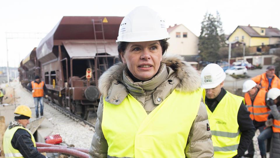 Planet TV: V kadrovanje v državni družbi posegla tudi ministrica Bratuškova. Ta pravi, da 'niti slučajno' ne bo odstopila