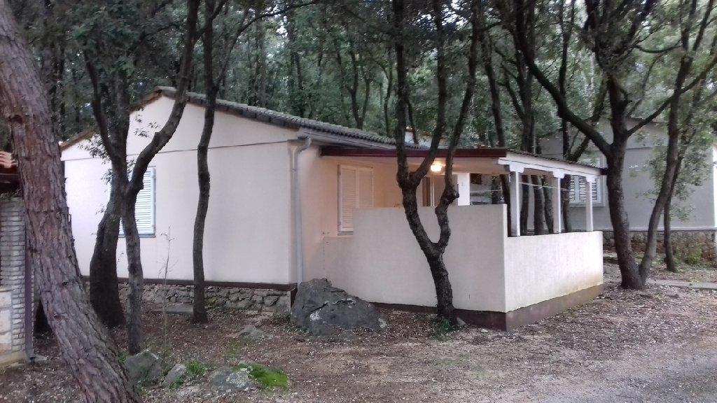 Slovenske železnice znova v prodajo počitniških hiš in apartmajev na Lošinju