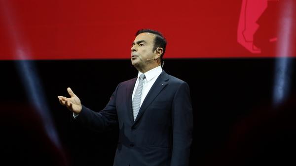 Šef Renaulta zadel jackpot, delavcem pa drobtinice