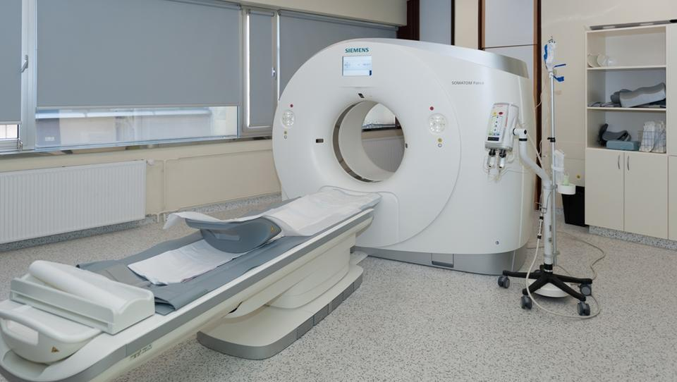 Novi CT-aparat omogoča slikanje brez zadržanega diha