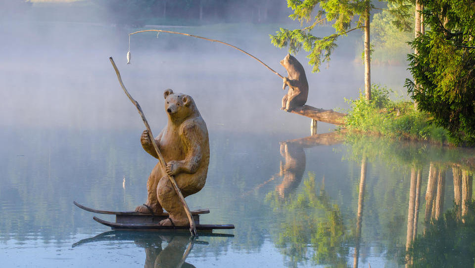 Ob Bloškem jezeru glamping povezuje tradicijo z najnovejšimi trendi v turizmu