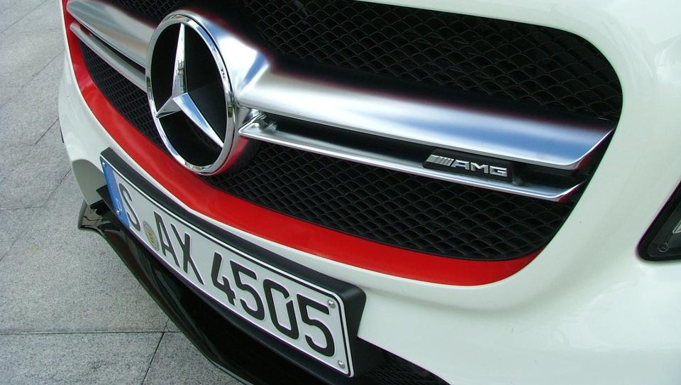 Rekorden februar za Mercedes-Benz