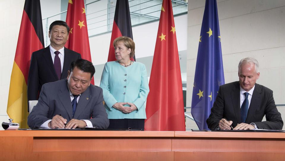 Uradno: lovke kitajske države nad Daimler