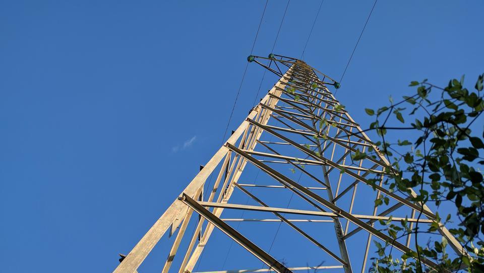 Poglejte, kaj piše v slovenskem patentu za shranjevanje električne energije