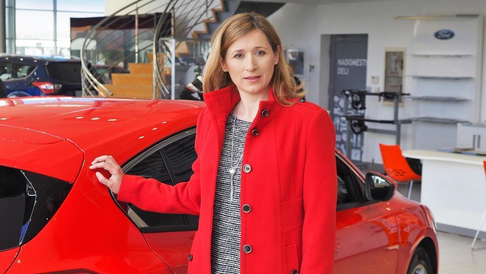 Kako s pametno izbiro službenega avta prihraniti 200 evrov na mesec?